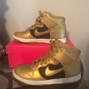 High top Nike